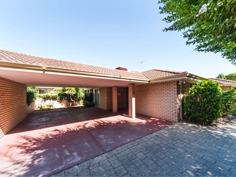 https://propertyphotos.vaultre.com.au/835/756641__reaimport-1568678532-347121-442167.jpg