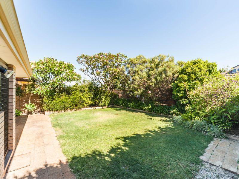 https://propertyphotos.vaultre.com.au/835/756650__reaimport-1568678535-347121-442167.jpg