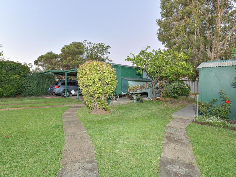 https://propertyphotos.vaultre.com.au/835/756755__reaimport-1568678581-347130-442176.jpg