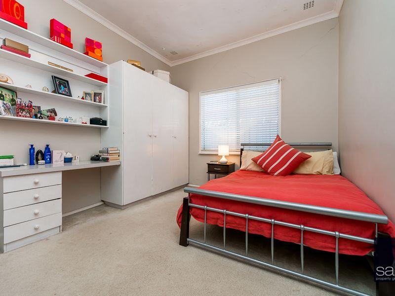https://propertyphotos.vaultre.com.au/835/756775__reaimport-1568678588-347131-442177.jpg