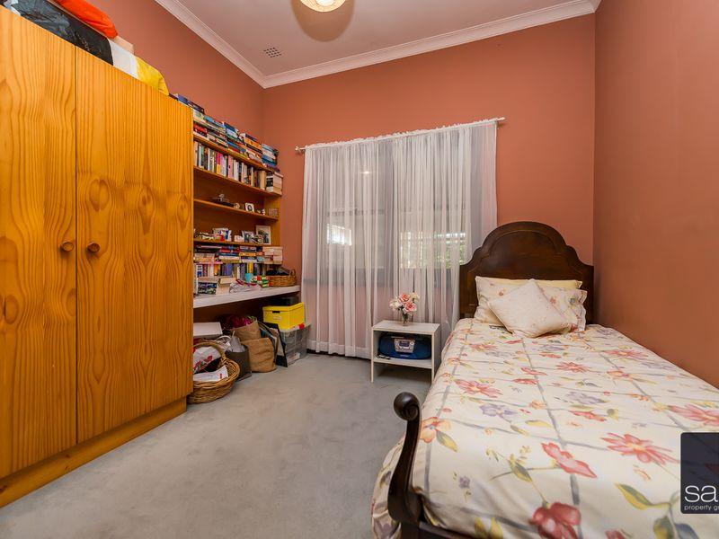 https://propertyphotos.vaultre.com.au/835/756779__reaimport-1568678590-347131-442177.jpg