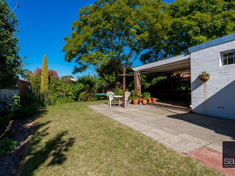 https://propertyphotos.vaultre.com.au/835/756786__reaimport-1568678593-347131-442177.jpg