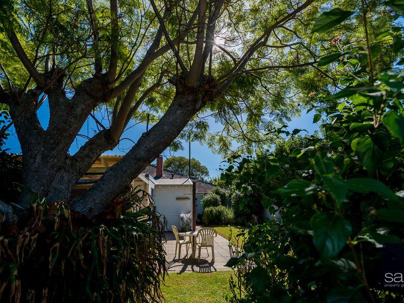 https://propertyphotos.vaultre.com.au/835/756787__reaimport-1568678594-347131-442177.jpg