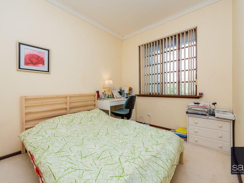 https://propertyphotos.vaultre.com.au/835/756794__reaimport-1568678596-347132-442178.jpg