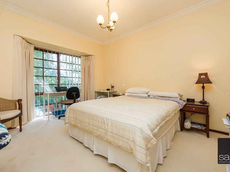 https://propertyphotos.vaultre.com.au/835/756796__reaimport-1568678597-347132-442178.jpg