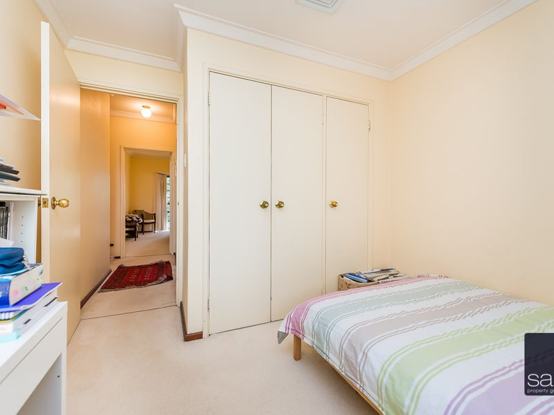 https://propertyphotos.vaultre.com.au/835/756798__reaimport-1568678598-347132-442178.jpg