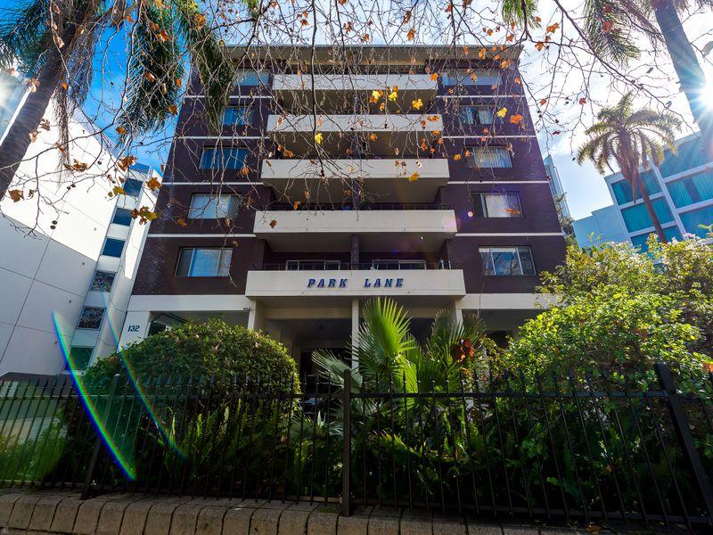 https://propertyphotos.vaultre.com.au/835/756840__reaimport-1568678617-347136-442182.jpg