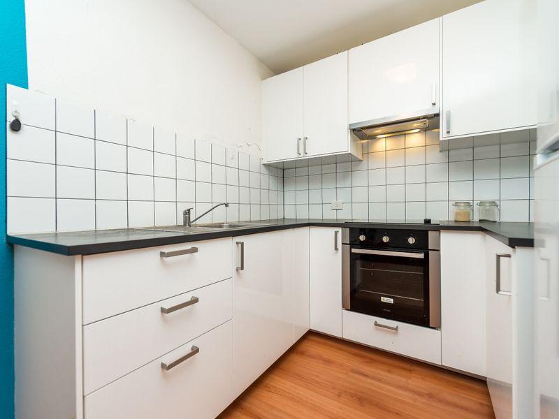 https://propertyphotos.vaultre.com.au/835/756844__reaimport-1568678619-347136-442182.jpg