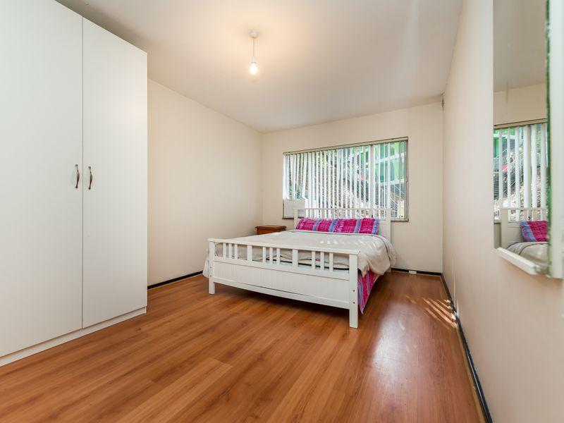 https://propertyphotos.vaultre.com.au/835/756846__reaimport-1568678619-347136-442182.jpg