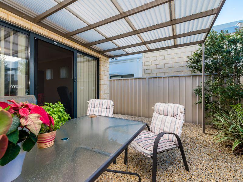 https://propertyphotos.vaultre.com.au/835/756895__reaimport-1568678638-347138-442184.jpg