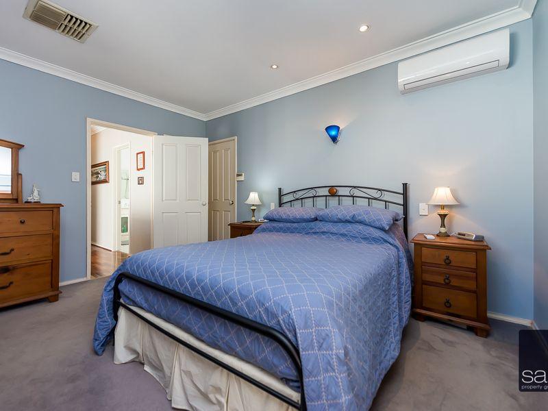 https://propertyphotos.vaultre.com.au/835/756916__reaimport-1568678650-347140-442186.jpg