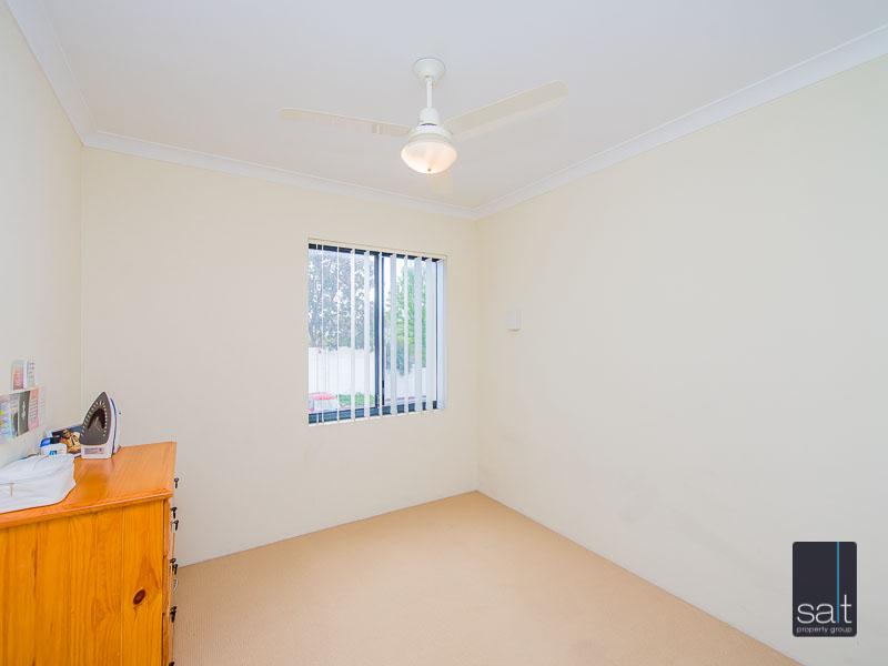 https://propertyphotos.vaultre.com.au/835/756929__reaimport-1568678654-347141-442187.jpg