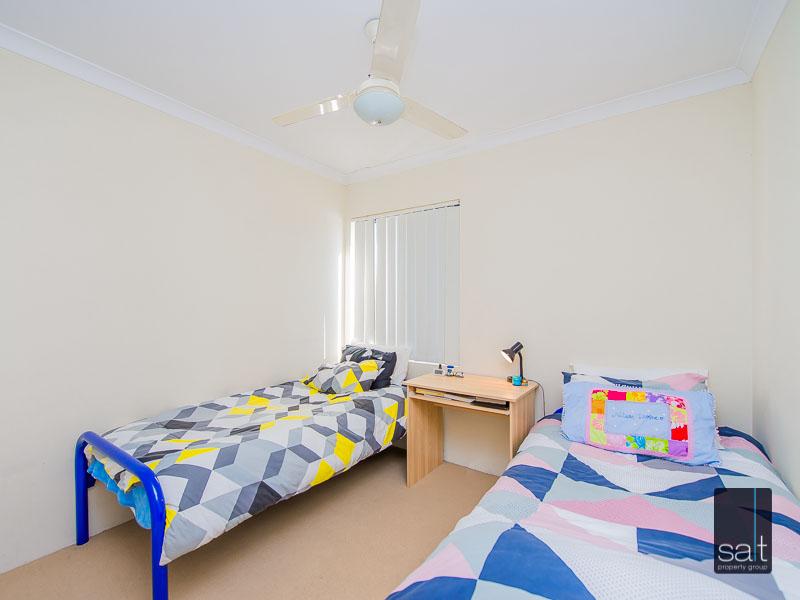 https://propertyphotos.vaultre.com.au/835/756930__reaimport-1568678654-347141-442187.jpg