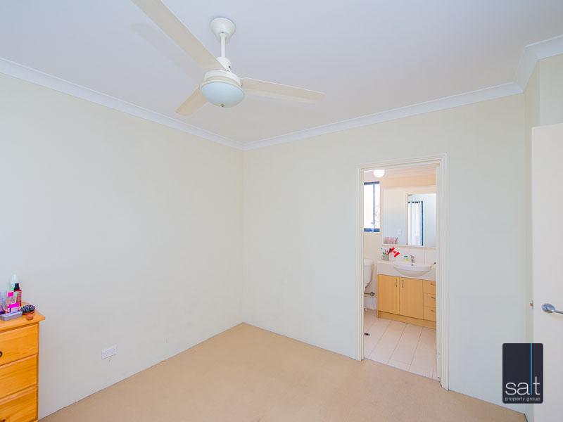 https://propertyphotos.vaultre.com.au/835/756931__reaimport-1568678655-347141-442187.jpg
