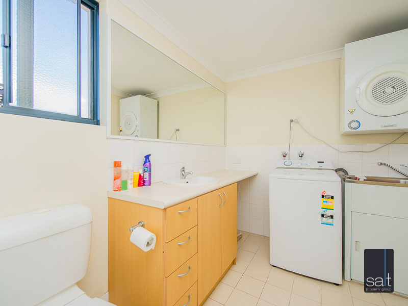 https://propertyphotos.vaultre.com.au/835/756933__reaimport-1568678655-347141-442187.jpg