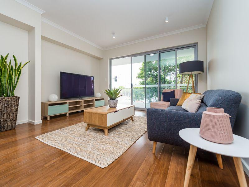 https://propertyphotos.vaultre.com.au/835/756957__reaimport-1568678665-347143-442189.jpg