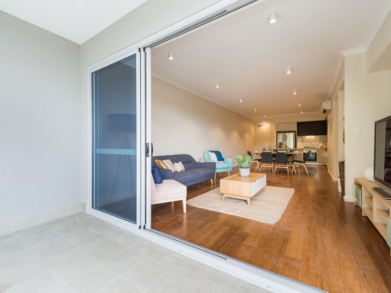 https://propertyphotos.vaultre.com.au/835/757015__reaimport-1568678688-347149-442195.jpg