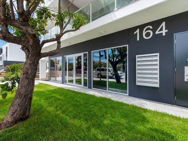 https://propertyphotos.vaultre.com.au/835/757041__reaimport-1568678698-347150-442196.jpg