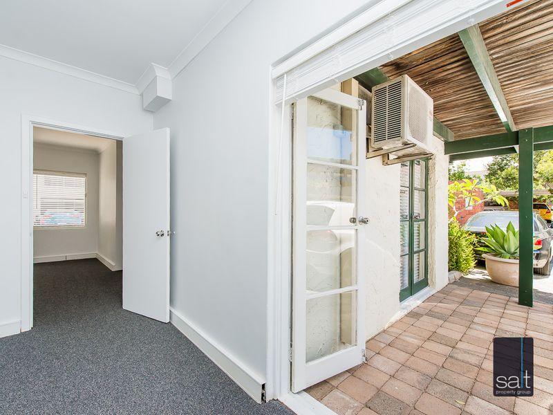 https://propertyphotos.vaultre.com.au/835/757284__reaimport-1568678770-347179-442225.jpg