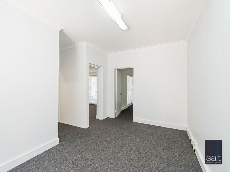https://propertyphotos.vaultre.com.au/835/757288__reaimport-1568678772-347179-442225.jpg