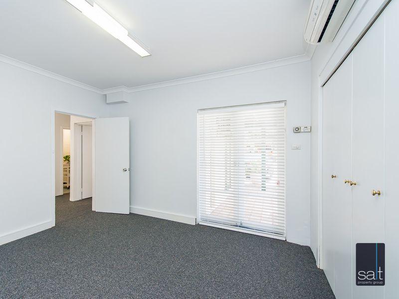 https://propertyphotos.vaultre.com.au/835/757289__reaimport-1568678772-347179-442225.jpg