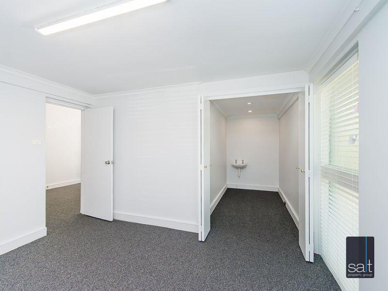 https://propertyphotos.vaultre.com.au/835/757290__reaimport-1568678772-347179-442225.jpg