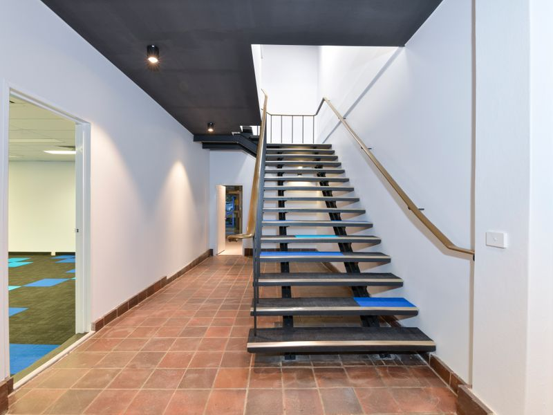 https://propertyphotos.vaultre.com.au/835/757332__reaimport-1568678790-347184-442230.jpg