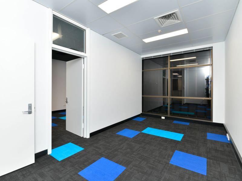 https://propertyphotos.vaultre.com.au/835/757342__reaimport-1568678795-347184-442230.jpg
