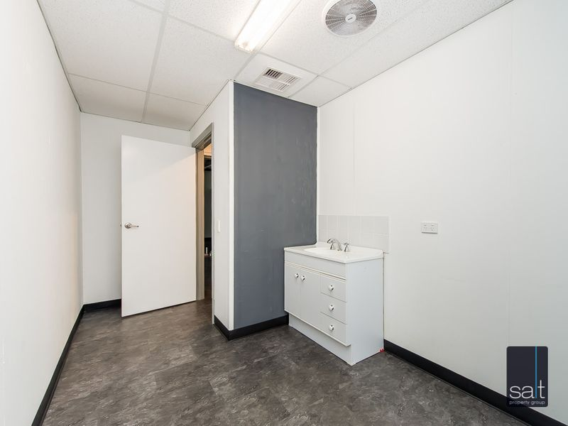 https://propertyphotos.vaultre.com.au/835/757351__reaimport-1568678799-347185-442231.jpg