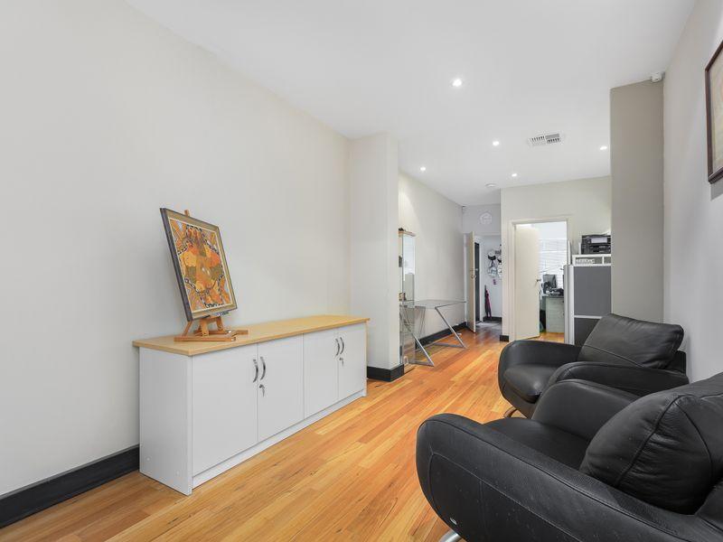 https://propertyphotos.vaultre.com.au/835/757389__reaimport-1568678812-347189-442235.jpg