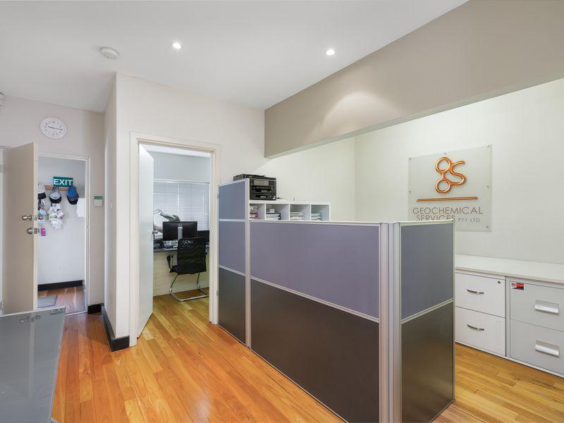 https://propertyphotos.vaultre.com.au/835/757391__reaimport-1568678813-347189-442235.jpg