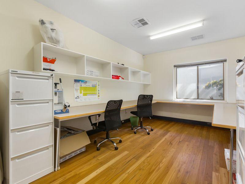 https://propertyphotos.vaultre.com.au/835/757392__reaimport-1568678813-347189-442235.jpg