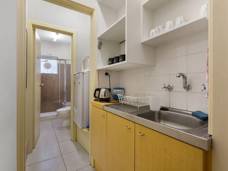 https://propertyphotos.vaultre.com.au/835/757394__reaimport-1568678814-347189-442235.jpg
