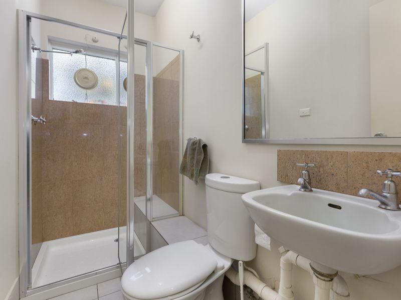 https://propertyphotos.vaultre.com.au/835/757395__reaimport-1568678814-347189-442235.jpg