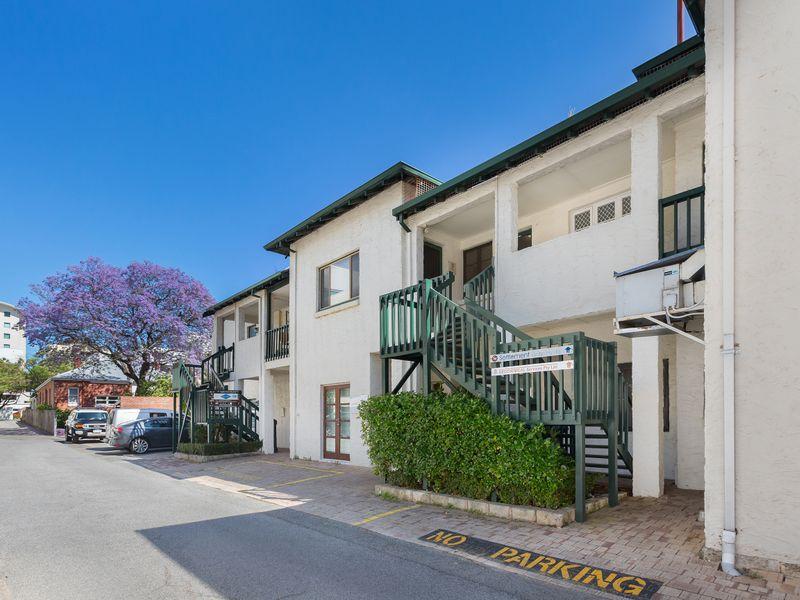 https://propertyphotos.vaultre.com.au/835/757398__reaimport-1568678816-347190-442236.jpg