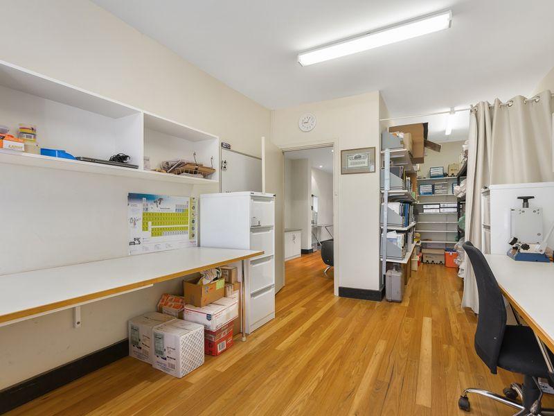 https://propertyphotos.vaultre.com.au/835/757403__reaimport-1568678818-347190-442236.jpg