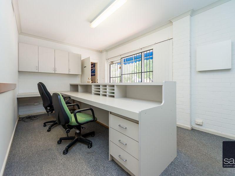 https://propertyphotos.vaultre.com.au/835/757448__reaimport-1568678835-347194-442240.jpg