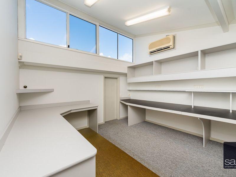 https://propertyphotos.vaultre.com.au/835/757461__reaimport-1568678841-347194-442240.jpg