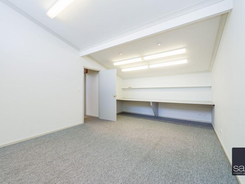 https://propertyphotos.vaultre.com.au/835/757462__reaimport-1568678841-347194-442240.jpg