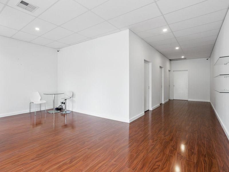 https://propertyphotos.vaultre.com.au/835/757469__reaimport-1568678844-347195-442241.jpg