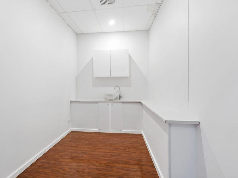 https://propertyphotos.vaultre.com.au/835/757476__reaimport-1568678846-347195-442241.jpg