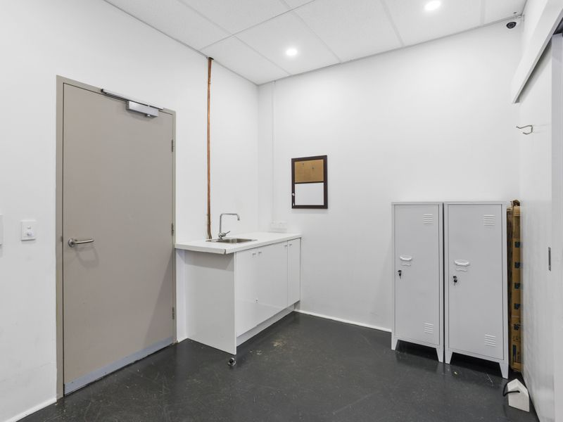 https://propertyphotos.vaultre.com.au/835/757477__reaimport-1568678846-347195-442241.jpg