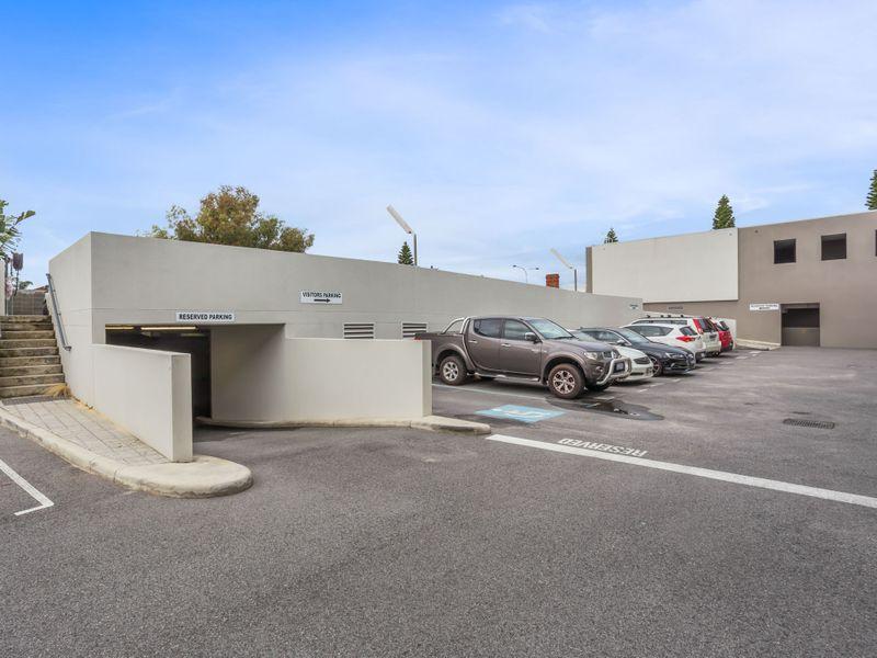 https://propertyphotos.vaultre.com.au/835/757479__reaimport-1568678847-347195-442241.jpg