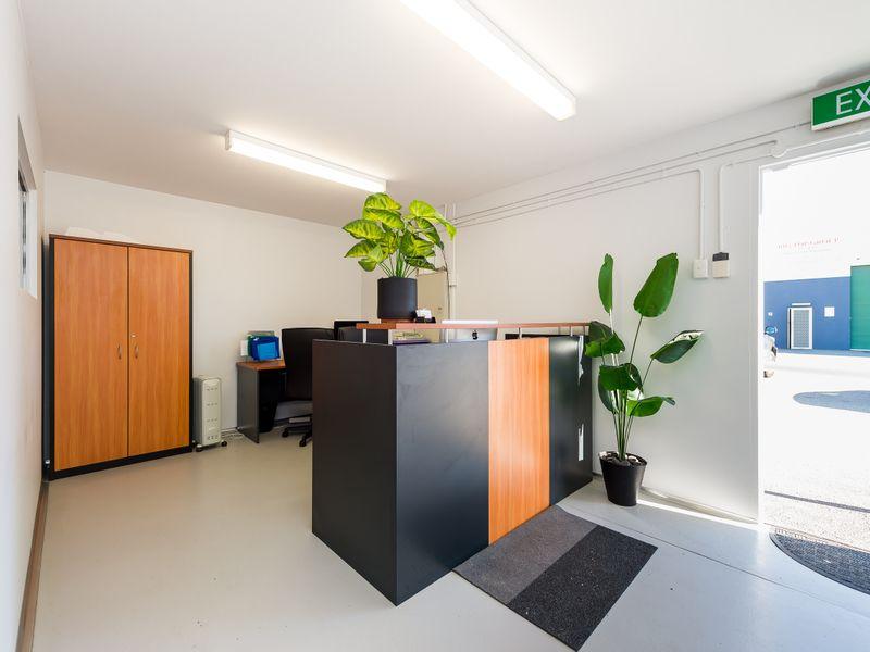 https://propertyphotos.vaultre.com.au/835/757572__reaimport-1568678885-347204-442250.jpg