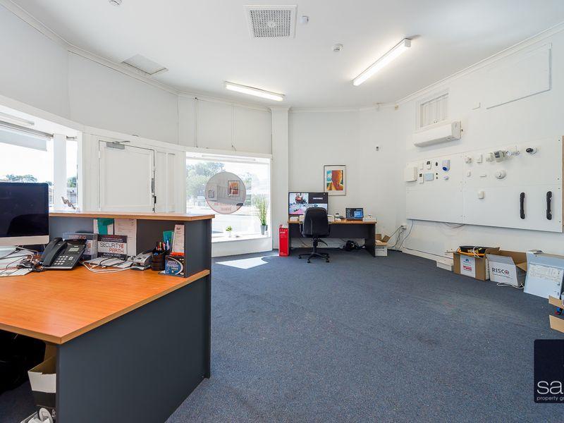 https://propertyphotos.vaultre.com.au/835/757587__reaimport-1568678891-347205-442251.jpg