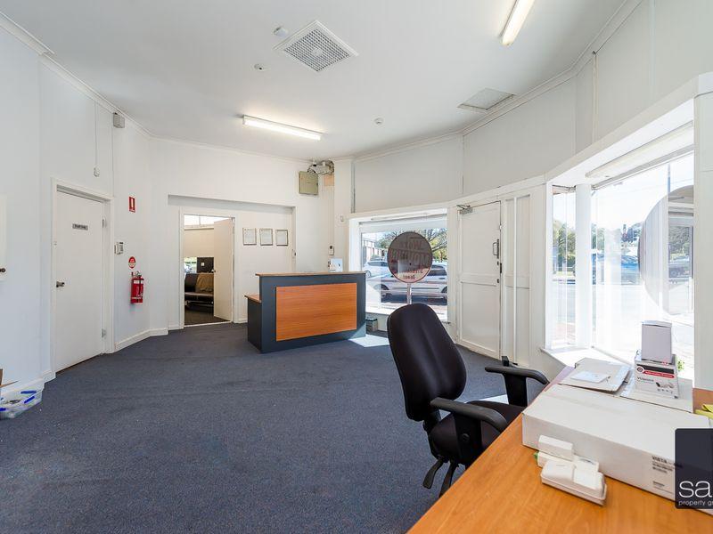 https://propertyphotos.vaultre.com.au/835/757588__reaimport-1568678892-347205-442251.jpg