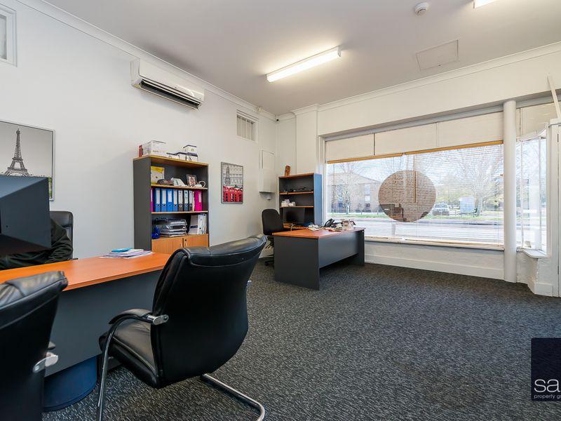 https://propertyphotos.vaultre.com.au/835/757590__reaimport-1568678893-347205-442251.jpg