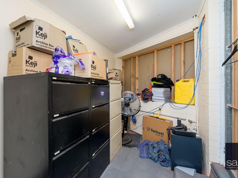 https://propertyphotos.vaultre.com.au/835/757595__reaimport-1568678894-347205-442251.jpg