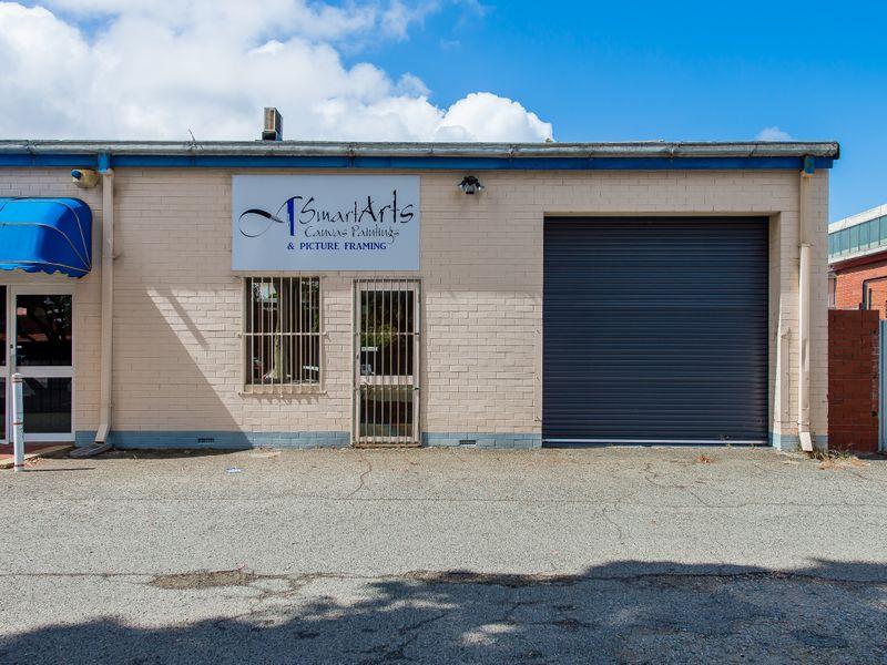 https://propertyphotos.vaultre.com.au/835/757625__reaimport-1568678908-347208-442254.jpg