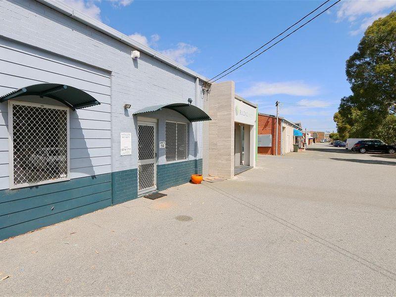 https://propertyphotos.vaultre.com.au/835/757631__reaimport-1568678910-347208-442254.jpg